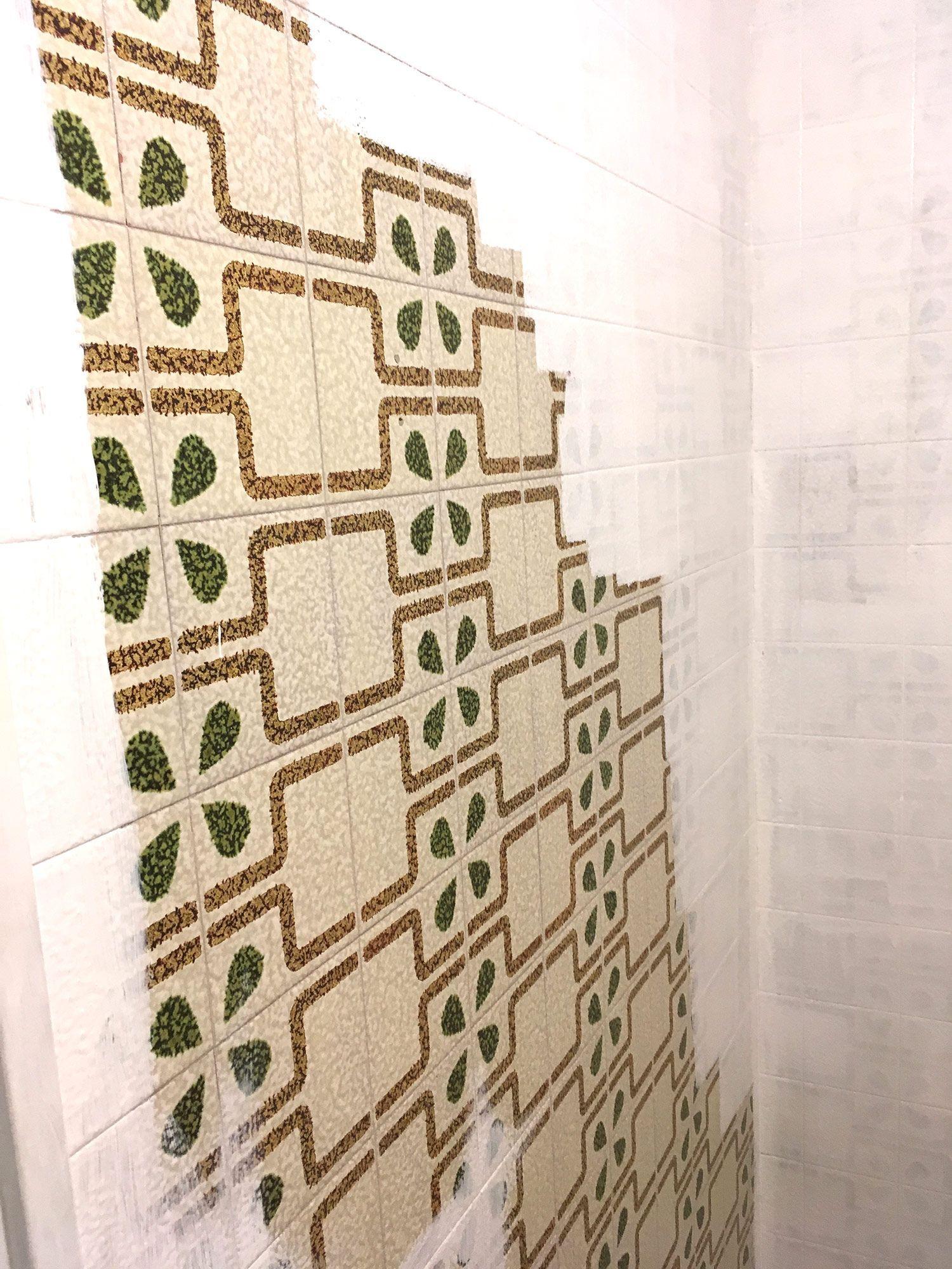 pintando azulejos de baño por Suri Pintor