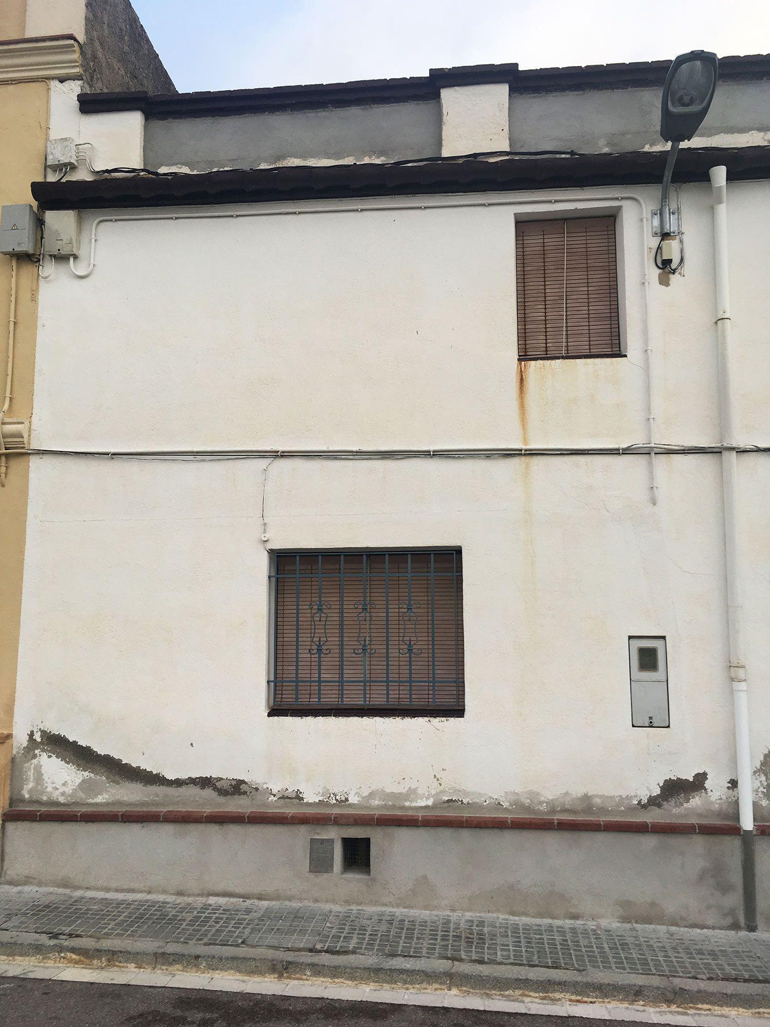 reparación y pintado fachada de casa